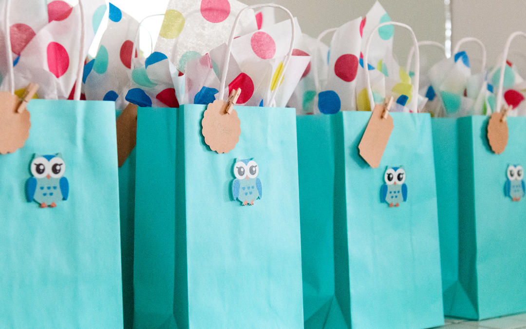 15 Alternatives To Candy For Goodie Bags